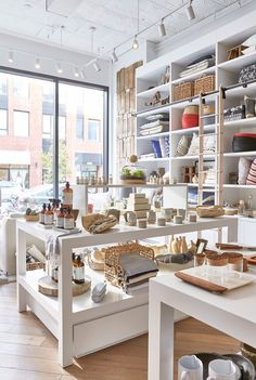 Brooklyn Home Store That Lets You Shop Like an Interior Designer The aesthete behind acclaimed design firm Chango & Co. has launched a boutique filled with everything you need to achieve the modern farmhouse look Salon Interior Design, Home Interior, Interior Decorating, Decorating Ideas, Retail Interior, Decorating Websites, Scandinavian Interior, Boutique Deco, Boutique Design