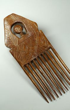 Africa | Comb from the Ashanti people of Ghana | Wood | 1960