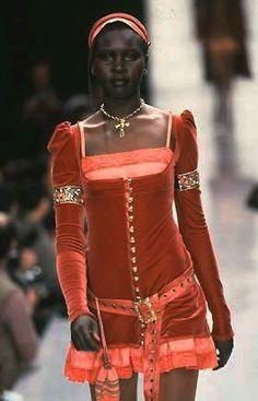 Betsey Johnson ready to wear fall 1997 90s Fashion, Runway Fashion, Fashion Art, High Fashion, Fashion Show, Vintage Fashion, Fashion Looks, Fashion Outfits, Fashion Design