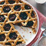 See the Woven Dried-Fruit Tart in our Thanksgiving Pies gallery Holiday Pies, Thanksgiving Pies, Fruit Tart, Jewish Recipes, Tart Recipes, Dried Fruit, Dried Apricots, Sweet Tooth, Sweet Treats