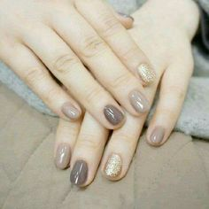 Neutral taupe gold glitter
