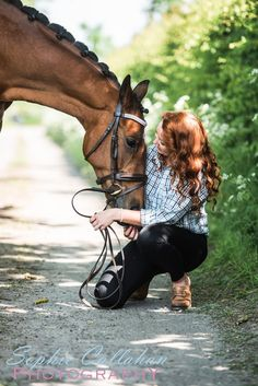 The gorgeous Vic Brant and Pat - Photo by Sophie Callahan Photography Horse Girl Photography, Equine Photography, Animal Photography, Pictures With Horses, Horse Photos, Senior Pictures, Cute Horses, Beautiful Horses, Cowgirls