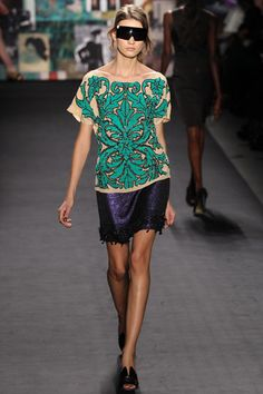 Literally saw this on the runway and now I WANT IT!