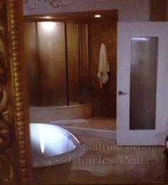 Bathroom Gabrielle Solis, Desperate Housewives, Dom, Mirror, Bathroom, Furniture, Home Decor, Home Ideas, Homes