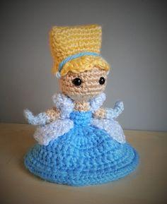 Cinderella - Disney Amigurumi Crochet. Pattern by Sahrit