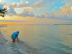 Shelling at sunset is the perfect end to a perfect day. www.islandinnsanibel.com Photo Credit: Pam Rambo @ iloveshelling.com