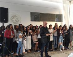 Servir en #casagraciacdv y ver la sonrisa de cada una es lo mejor de lo mejor !!!!  #valelapena  Hoy se graduaron 3 increíbles mujeres más!  by roxbarzola
