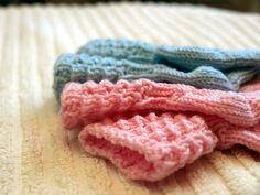 KARDEMUMMAN TALO: Lise-Loten pikkuiset sukat Drops Design, Ravelry, Knit Crochet, Diy And Crafts, Knitting, Barn, Converted Barn, Tricot, Crochet