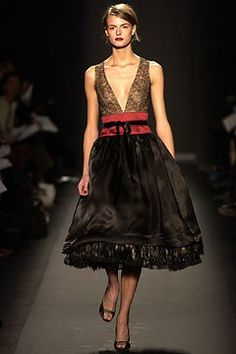 Carolina Herrera Fall 2003 Ready-to-Wear Fashion Show - Jacquetta Wheeler, Carolina Herrera