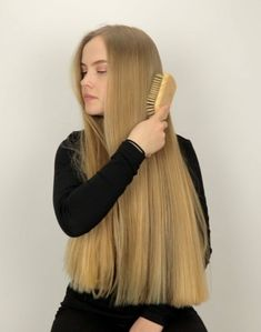 VIDEO - Super smooth hair - September 15 2019 at Modern Bob Hairstyles, Bob Hairstyles For Thick, Trending Hairstyles, Hairstyles Haircuts, Long Haircuts, Longbob Hair, Bobs For Thin Hair, Playing With Hair, Very Long Hair