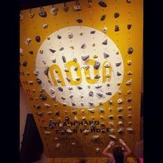 1,188 отметок «Нравится», 11 комментариев — Jain Kim (@jain_jas3) в Instagram: «@spyder_korea 신상 빤딱이바지와 탑을 입음 🙂🙂 오늘은 승욱이오빠네서 지구력하구 마무리로 오랜만에 #moonboard  LED 라서 홀드못외우는 나한테 딱이네애😏…»