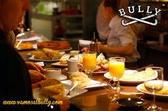 Has desayunado bien? Si lo has hecho en el #vamosalbully #Donostia #SanSebastian ya sabemos que si... Puedes desayunar con nosotros de Martes a Domingo ya que abrimos nuestro café restaurante de 10:00 a 23:30h. Los Sábados y Domingos por la mañana abrimos un poco antes a las 9:00h. Si vienes a comer tenemos la cocina abierta de 12:30 a 16:00h y de 19:30 a 23:00h. (Viernes Sábados Domingos y festivos hasta las 16:30h. y Viernes Sábados y vísperas hasta las 23:30h.) Estas NAVIDADES variamos un…