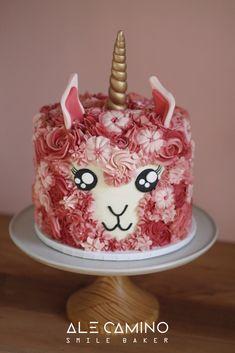 Fun birthday cake idea: Llama-corn Cake by Torta Llamacornio. Llama and unicorn … Lustige Geburtstagstorten-Idee: Lama-Maiskuchen von Torta Llamacornio. Cupcakes, Cake Cookies, Cupcake Cakes, Cake Boss Cakes, Fancy Cakes, Mini Cakes, Animal Cakes, Gateaux Cake, Cool Birthday Cakes