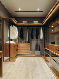 Mueble estilo industrial y nórdico. Walking closet fabricado con láminas de madera clara y estructura metálica con acabado negro mate. #estilo #muebles #decoración #diseño #industrial #estiloindustrial #nórdico #escandinavo #estilonórdico #estiloescandinavo #walkingcloset #closet #mueblemadera #mueblemetálico #madera #Bogotá #mueblesbogotá Room Closet, Wardrobe Closet, Bedroom Wardrobe, Walk In Wardrobe, Master Closet, Luxury Closet, Walk In Closet Small, Walk In Closet Design, Wardrobe Design