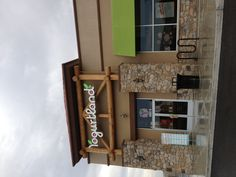 Yogurtland in Lebec, CA