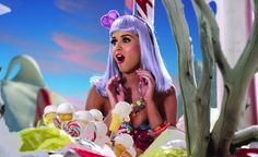VIDEO : Katy Perry - Tommie Sunshine's Megasix Smash-Up