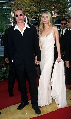 brad-pitt-gwyneth-paltrow-calvin-klein-slip-dress