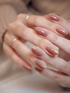 In search for some nail styles and some ideas for your nails? Here is our listing of must-try coffin acrylic nails for modern women. Chic Nails, Stylish Nails, Trendy Nails, Oval Nails, Pink Nails, Oval Nail Art, Cute Spring Nails, Uñas Fashion, Minimalist Nails
