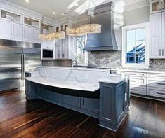 From traditional to modern, rustic and beyond, discover the top 70 best kitchen cabinet ideas. Explore unique cabinetry designs for your home interior. Refacing Kitchen Cabinets Cost, Modern Kitchen Cabinets, Kitchen Cabinet Doors, Kitchen Cabinet Design, Painting Kitchen Cabinets, Kitchen Flooring, Kitchen Reno, Kitchen Interior, Kitchen Island
