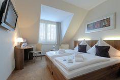 409₪ מלון סיטי אוסט (Best Western Hotel City Ost) ממוקם ברובע פרידריכסהיין (Friedrichshain) האופנתי של ברלין והוא מציע אינטרנט אלחוטי בחינם, טרקלין ובר הפתוחים...