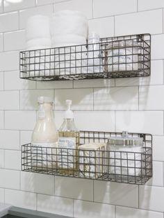 38 Ideas Farmhouse Bathroom Decor Joanna Gaines Fixer Upper For 2019 Fixer Upper Hgtv, Clever Bathroom Storage, Storage Mirror, In Shower Storage, Creative Storage, Creative Ideas, Chip And Joanna Gaines, Chip Gaines, Bathroom Wall Art