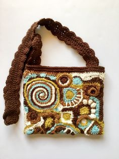 It's Great to Crochet  My First FreeForm purse is complete!