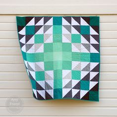 "Stunning ""Ombre Vibes"" quilt by Amy Friend of During Quiet Time. The color choices and quilting here are superb!"