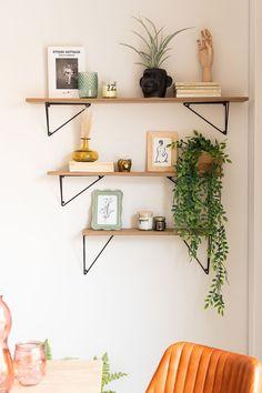 Ikea Wall Shelves, Floating Shelves Bedroom, Floating Shelf Decor, Wooden Wall Shelves, Wall Shelf Decor, Wall Shelves Design, Wood Floating Shelves, Decorative Wall Shelves, Bedroom Wall Shelves