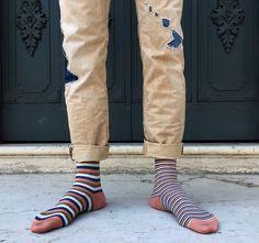 #oybofriends #oybo #oddsocks #oybosocks #socks #chaussettes #sokken #calzini #oddsocks #calzinispaiati #style #streetstyle #blackandwhite #unisex #hoisery #design #genderfluid #stripes