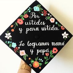 m 225 s de 25 ideas incre 237 bles sobre birretes decorados en Teacher Graduation Cap, Graduation Cap Toppers, Graduation Cap Designs, Graduation Cap Decoration, Nursing Graduation, Abi Motto, Grad Hat, Cap Decorations, Graduation Pictures