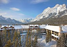 Welcome to spectacular Alberta, an ideal spot for a Canadian Rockies family vacation. Spend an unforgettable week in the heart of the Canadian Rockies! Small Group Tours, Canadian Rockies, Wanderlust Travel, Lodges, Best Hotels, Trip Advisor, Canada, Adventure, Places