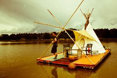 Floating Teepee, 21-year-old Aus­tralian and second-year university student Will Wood­bridge lived out of his car before eventually deciding to build a raft. His uncle suggested a teepee for shelter.