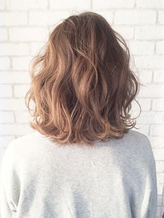 35 Perm Hairstyles: Stunning Perm Looks - fashion HAIR - Hair Designs Medium Hair Cuts, Medium Hair Styles, Curly Hair Styles, Natural Hair Styles, Medium Curls, Medium Waves, Short Hair Perm Styles, Short Styles, Permed Hairstyles