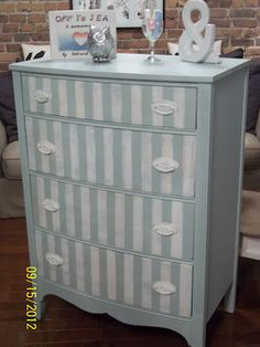 simply vintageous .......by Suzan: Annie Sloan Chalk Paint - Custom color using Duck Egg Blue and Old white - stripes are Pure white dry brushed