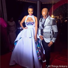 Award Show: Nhlanhla Nciza ( of Mafikizolo ( in a NN Vintage Clothing ( gown at Abryanz Style & Fashion Awards 2017 ( African Wedding Attire, African Attire, African Dress, South African Traditional Dresses, Traditional Outfits, Traditional Wedding, Vintage Gowns, Vintage Outfits, Vintage Clothing