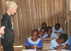 This week's voluntourism spotlight shows you how to learn French while volunteering in Africa.