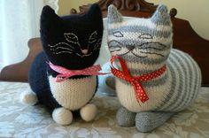 Ravelry: The Parlor Cat by Sara Elizabeth Kellner