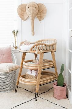 RATTAN NURSERY IDEAS If there s a nursery design trend in 2020 that continues to grow in popularity it is the incorporation of natural organic materials particular rattan nursery decor into nursery designs Baby Room Decor, Nursery Room, Nursery Decor, Boho Nursery, Nursery Ideas, Project Nursery, Woodland Nursery, Rattan, Baby Changing Station