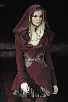 Alexander Mc Queen Repinned by www.fashion.net #alexandermcqueen2008