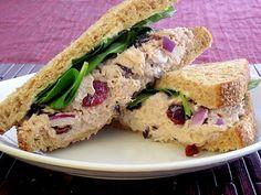 Cranberry Almond Tuna Salad Sandwich #lunch #tunasalad #sandwich