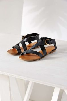 Madison Sandal - Urban Outfitters