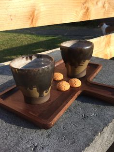 Koffie mokjes voor van den Bosch verlichting in ontwikkeling Dog Bowls, Pottery, Studio, Ceramica, Pots, Study, Ceramic Pottery, Ceramic Art