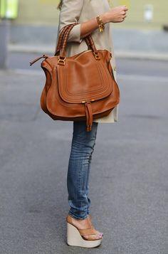 Or the tan Marcie Chloe bag. Chloe Bag, Chloe Marcie Tasche, Chloe Marcie Bag, Chloe Chloe, Chloe Wallet, Chloe Brown, Look Fashion, Fashion Bags, Fashion Handbags