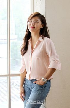 [Interview] Ha Ji-won isn't bothered by the percentage or scandal @ HanCinema :: The Korean Movie and Drama Database