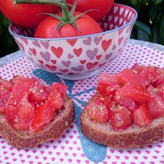 Grapefruit, Strawberry, Veggies, Parfait, Food, Sauces, Toast, Italian Cuisine, Vegetarian Cooking