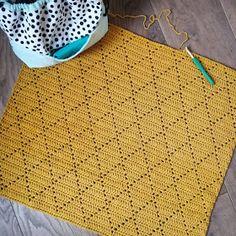 Created by Carolien: Crochet Pattern Diamant Blanket Filet Crochet, Crochet Diy, Crochet Home, Love Crochet, Crochet Crafts, Crochet Projects, Crochet Blanket Patterns, Baby Blanket Crochet, Crochet Stitches