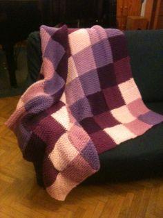 Manta de punto para las tardes de invierno Hand Knit Blanket, Knitted Blankets, Handmade Baby Blankets, Couture, Embroidery Art, Hand Knitting, Needlework, Knitting Patterns, Knit Crochet
