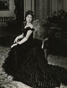 Vivien Leigh as 'Anna Karenina' (1948). Costume design by Cecil Beaton.