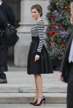 La reina Letizia se apunta al estilo Velvet - Foto 5