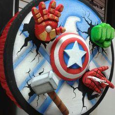 Piñata vengadores, piñatas  Haydee